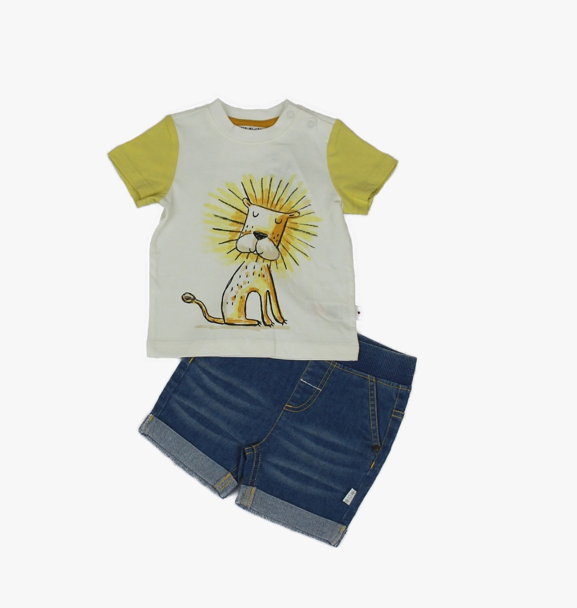 Denim Shorts + T-shirt, Lion